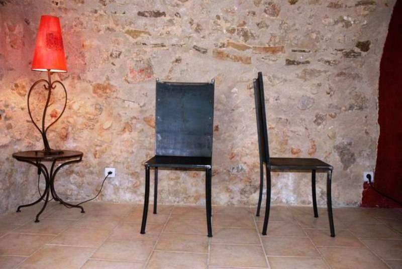 chaise en fer forg design et contemporain une cr ation aix terra meuble et d coration. Black Bedroom Furniture Sets. Home Design Ideas
