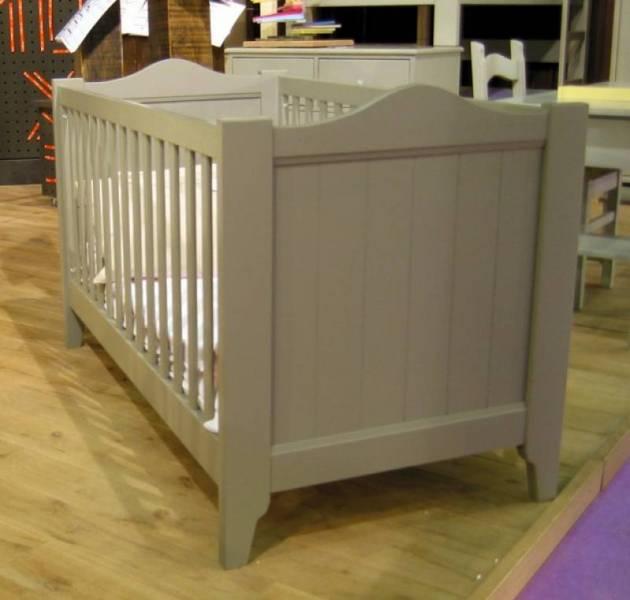 Meubles pour enfants en bois lit tilleul en bois massif - Meuble pour changer bebe ...