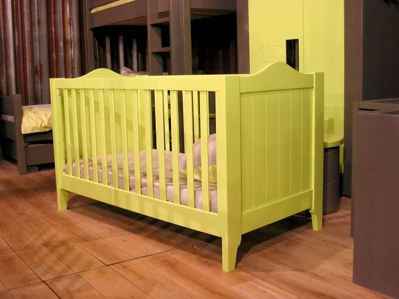 meubles pour enfants en bois lit tilleul en bois massif meuble et d coration marseille. Black Bedroom Furniture Sets. Home Design Ideas