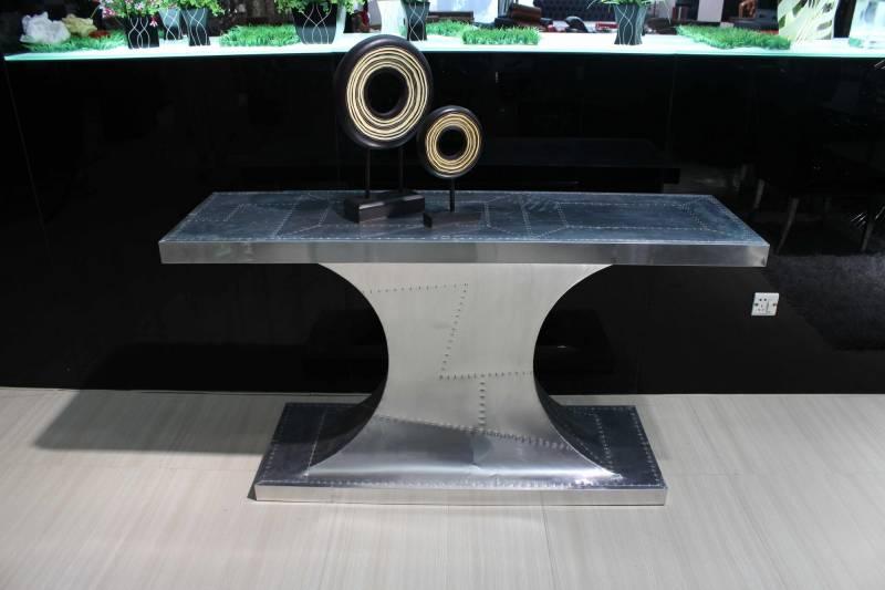 console ultra tendance en aluminium hypnose aviateur meuble et d coration marseille. Black Bedroom Furniture Sets. Home Design Ideas