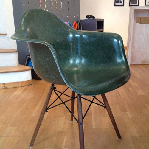 chaise style industriel mod le eames rar vintage forest green meuble et d coration marseille. Black Bedroom Furniture Sets. Home Design Ideas