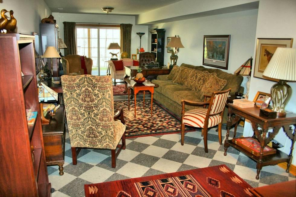 assurer votre mobilier ancien marseille am meuble et d coration marseille mobilier design. Black Bedroom Furniture Sets. Home Design Ideas