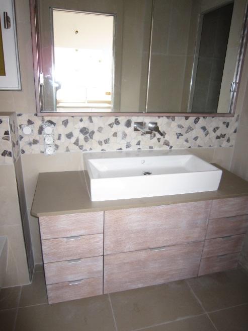 meuble de salle de bain sur mesure meuble et d coration. Black Bedroom Furniture Sets. Home Design Ideas