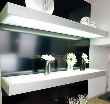 Les luminaires et tageres clairante de cuisine marseille for Etageres lumineuses cuisine