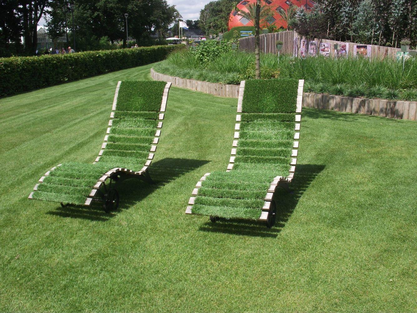 Gazon naturel pr t poser pour embellir son jardin - Desherbant naturel pour gazon ...