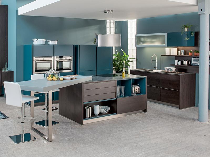 cuisine style loft schmidtt avec de nombreux rangements meuble et d coration marseille. Black Bedroom Furniture Sets. Home Design Ideas