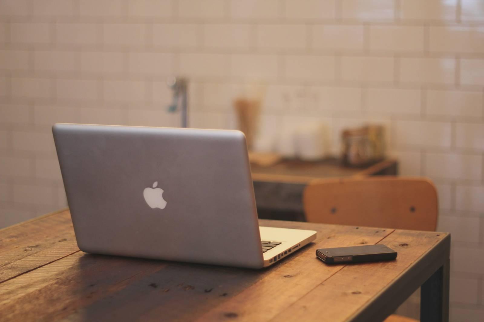 Faire Meuble Sur Mesure faire fabriquer une table sur mesure par flow room design à