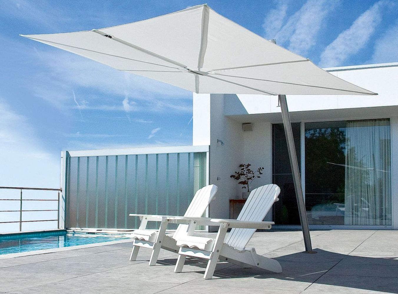 grand parasol design et moderne facile d ployer marseille meuble et d coration marseille. Black Bedroom Furniture Sets. Home Design Ideas