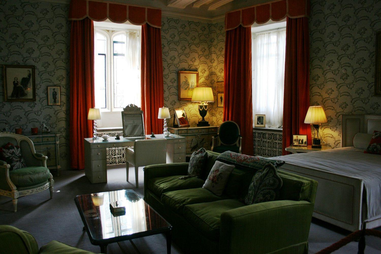 chambre d coration classique meuble et d coration marseille mobilier design contemporain. Black Bedroom Furniture Sets. Home Design Ideas