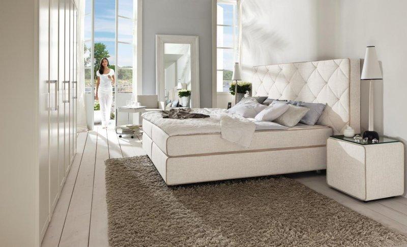 lit h lsta montpellier avec sommier boxspring en tissus par art et volume meuble et. Black Bedroom Furniture Sets. Home Design Ideas