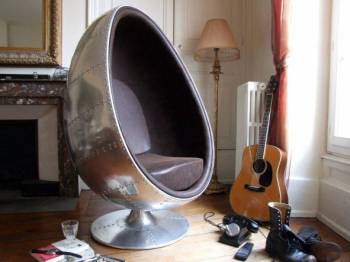 fauteuil aviateur vintage oeuf en aluminium meuble et d coration marseille mobilier design. Black Bedroom Furniture Sets. Home Design Ideas
